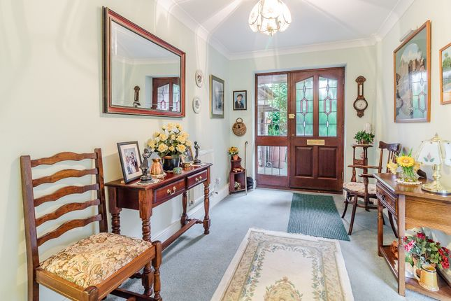 Thumbnail Bungalow for sale in Mutton Hall Hill, Heathfield