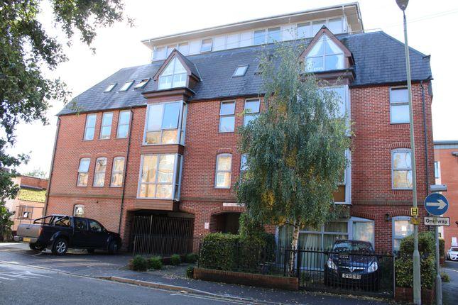1 bed flat to rent in West Street, Newbury RG14