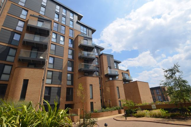 Flat for sale in Baltic Avenue, Brentford