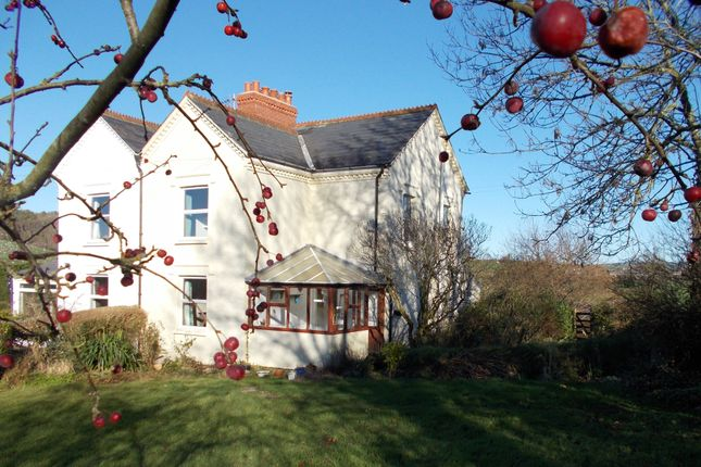 Thumbnail Cottage to rent in Wootton Fitzpaine, Bridport
