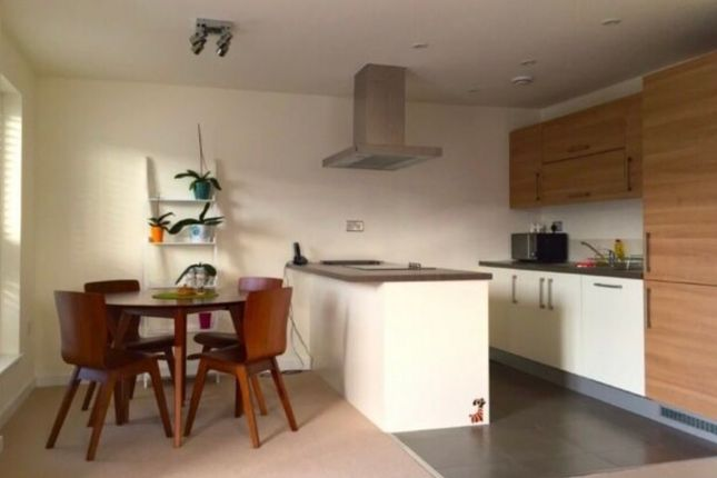 3 bed flat to rent in Clark Apartments, Mile End E3