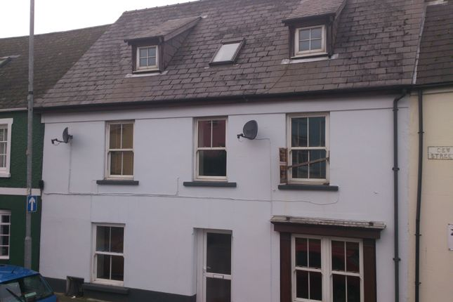 Thumbnail Flat to rent in Flat 1, 17 Dew Street, Haverfordwest.