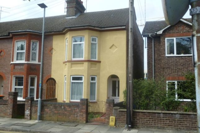 Thumbnail Property to rent in St Peters Road, Dunstable
