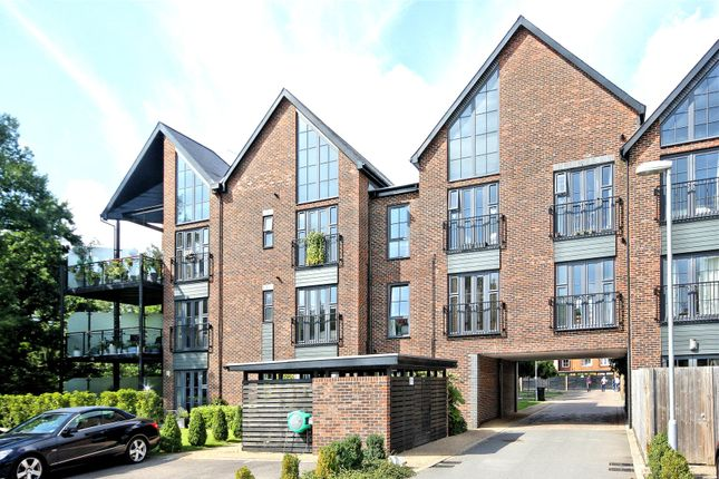 Thumbnail Flat for sale in Gresham Park Road, Woking, Surrey