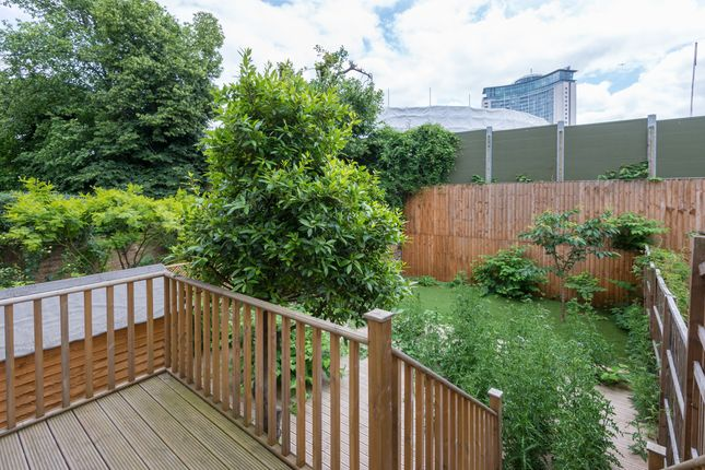 2 bed flat to rent in Philbeach Gardens, Earls Court
