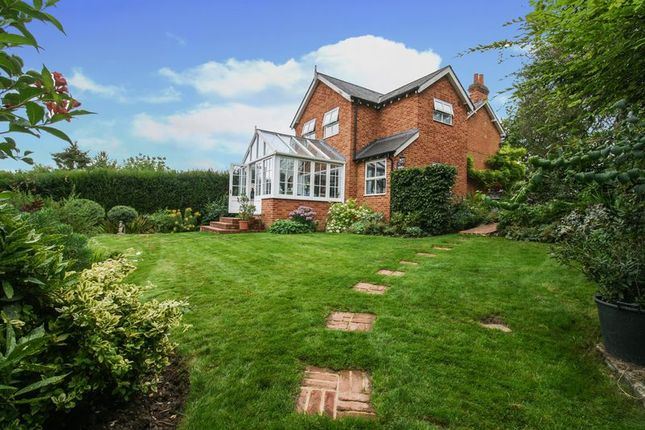 Thumbnail Detached house for sale in Cookham Dean Common, Cookham, Maidenhead