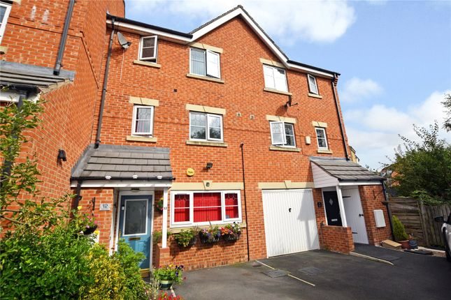 4 bed town house to rent in Digpal Road, Churwell, Morley, Leeds LS27