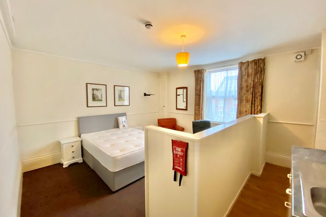 Studio to rent in Newsums Villas, Carholme Road, Lincoln LN1