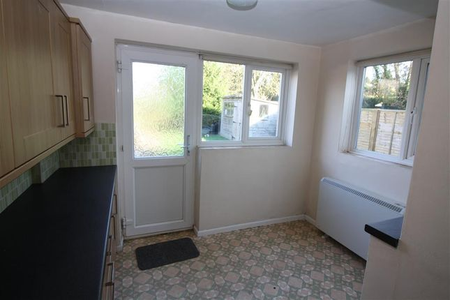 Thumbnail Bungalow to rent in Meadowside, Rockwell Green, Wellington