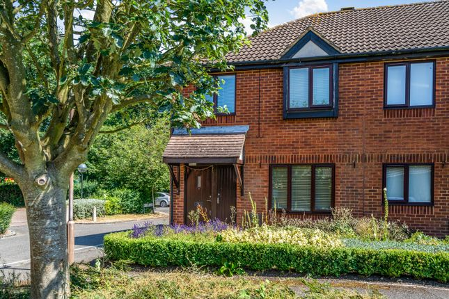 Thumbnail End terrace house to rent in Darlington Close, Amersham