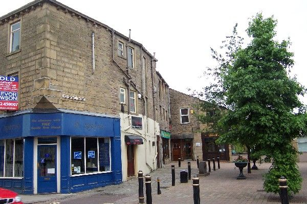 Office to let in 1 Richmond's Court, Off Market Street, Colne