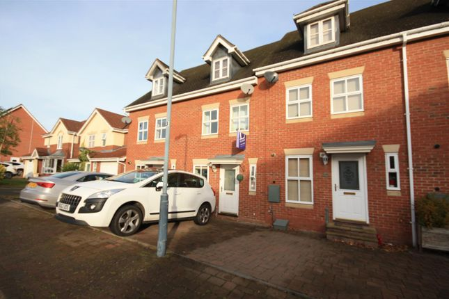 Thumbnail Property for sale in Caliban Mews, Heathcote, Warwick
