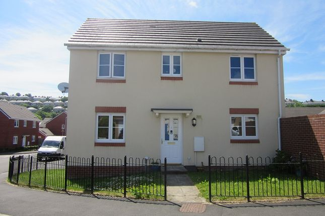 3 bedroom detached house to rent in Charlotte Court, Townhill, Swansea