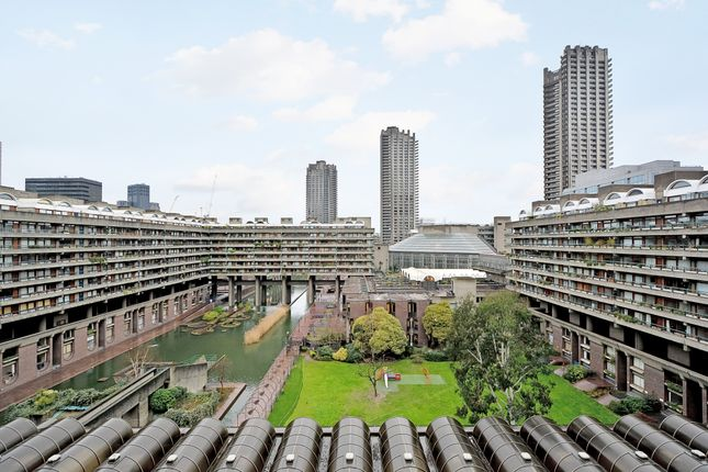 Thumbnail Flat for sale in Willoughby House, Barbican
