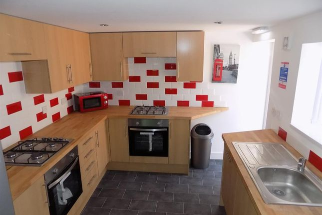 Thumbnail Shared accommodation to rent in Albert Road, Middlesbrough