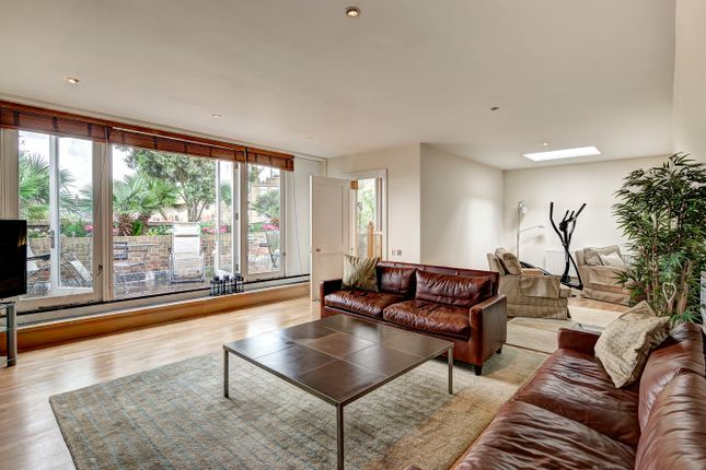 Thumbnail Mews house for sale in St Michaels Mews, Belgravia