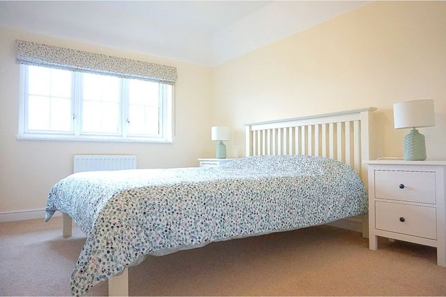 Bedroom of Mundells Drive, Basildon SS15