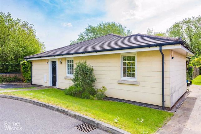 Thumbnail Semi-detached bungalow to rent in Inglenook Court, Leigh, Lancashire