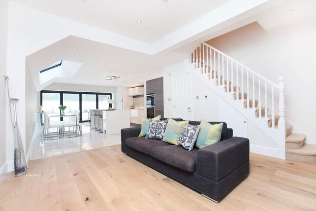 Thumbnail Terraced house to rent in Kimbell Gardens, London