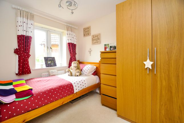 Bedroom Three of Forsythia Close, Bicester OX26