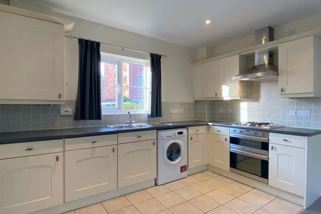Thumbnail Flat to rent in Parc Y Felin, Derwen Fawr, Sketty, Swansea