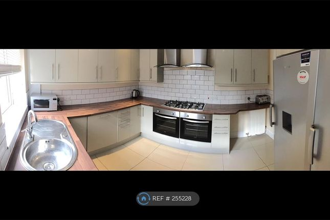 8 bed terraced house to rent in Marton Road, Middlesbrough