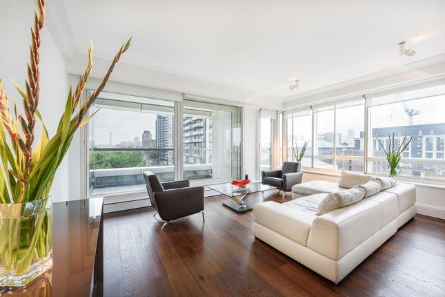 Thumbnail Flat to rent in Peninsula Heights, Albert Embankment, London
