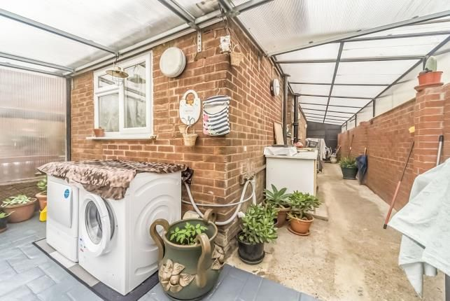 Lean To of Kennedy Road, Bedford, Bedfordshire, . MK42