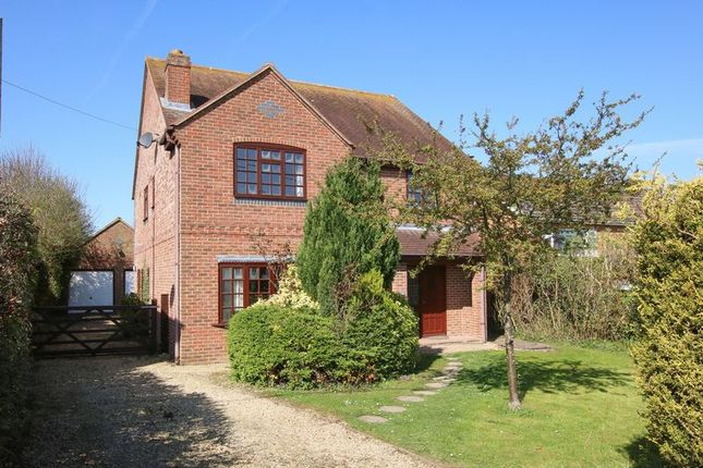 Thumbnail Detached house for sale in Larkhill, Wantage