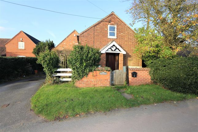 Thumbnail Detached house for sale in School Lane, Normanton Le Heath