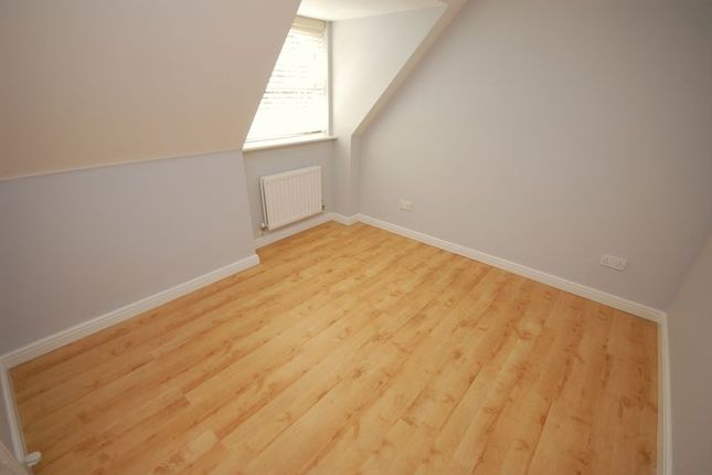 2 Bed Flat For Sale In Whinestone Mews Benton Newcastle Upon Tyne
