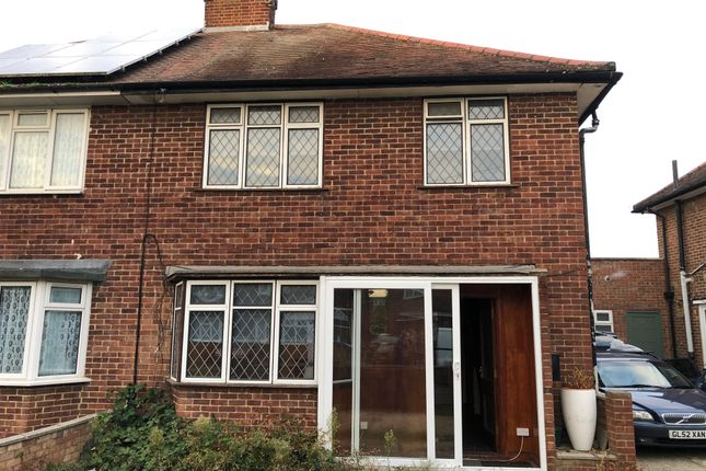 Thumbnail Semi-detached house to rent in Longhook Gardens, Middlesex