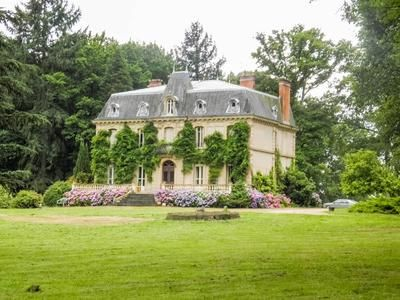 Thumbnail Country house for sale in Louroux-Bourbonnais, Allier, France