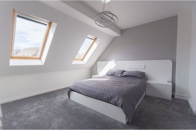 Master Bedroom of Windmill Close, Barnsley S70