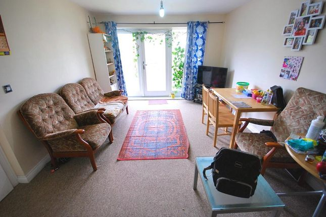Reception of King George Crescent, Wembley, Middlesex HA0