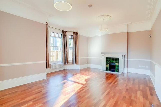 Thumbnail Property to rent in Alderbrook Road, Clapham