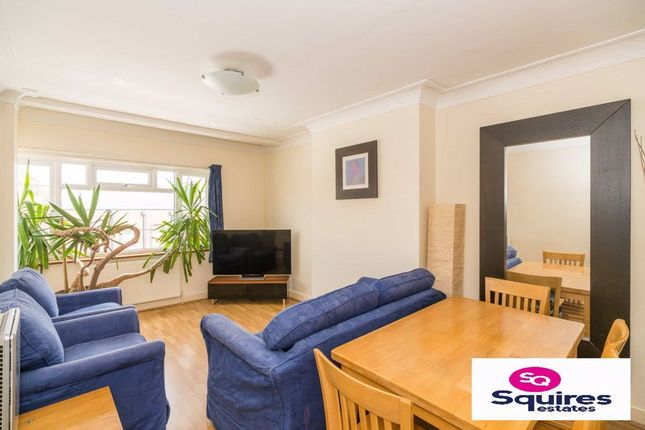 3 bed flat for sale in Hendon Way, Hendon, London NW4