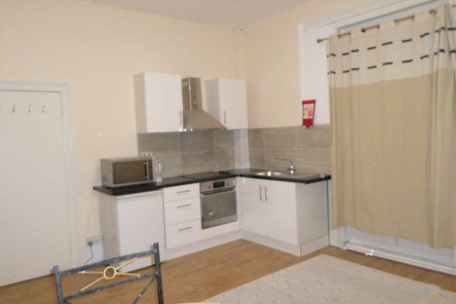Thumbnail Property to rent in Manor Road, Twickenham