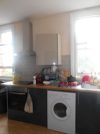 Thumbnail Flat to rent in Aylward Street, Portsmouth