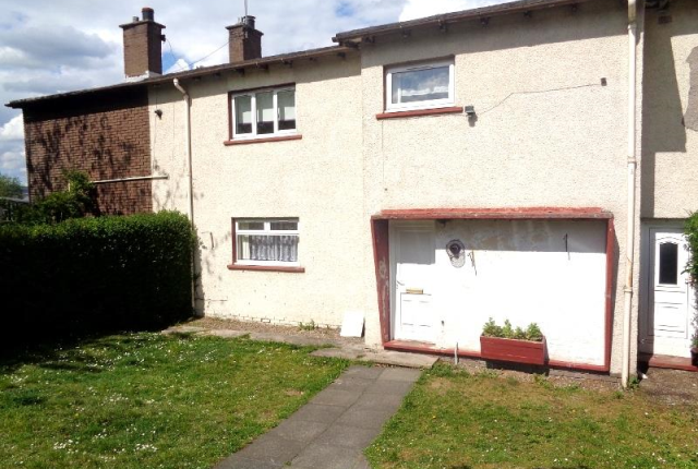 Thumbnail Terraced house to rent in Alexander Road, Glenrothes