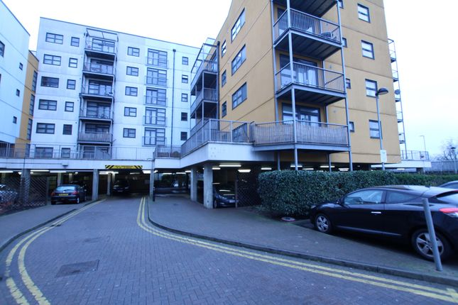 Thumbnail Flat for sale in Twelvetrees Crescent, Bow