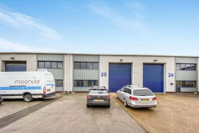 Thumbnail Light industrial to let in Unit 25 Vale Industrial Estate, Southern Road, Aylesbury
