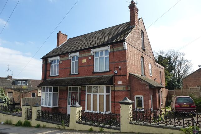 Thumbnail Detached house for sale in Western Road, Luton