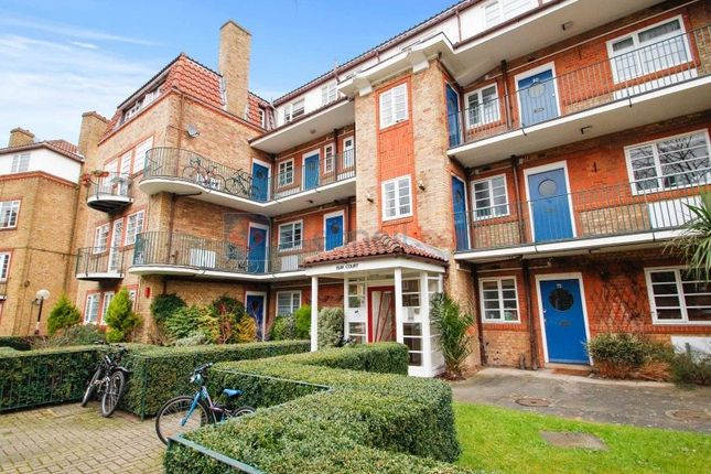 2 bed flat to rent in Acorn Walk, London