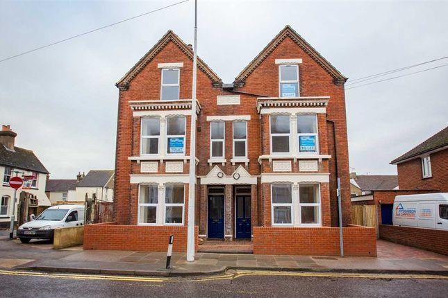 Thumbnail Flat to rent in Cryalls Lane, Sittingbourne
