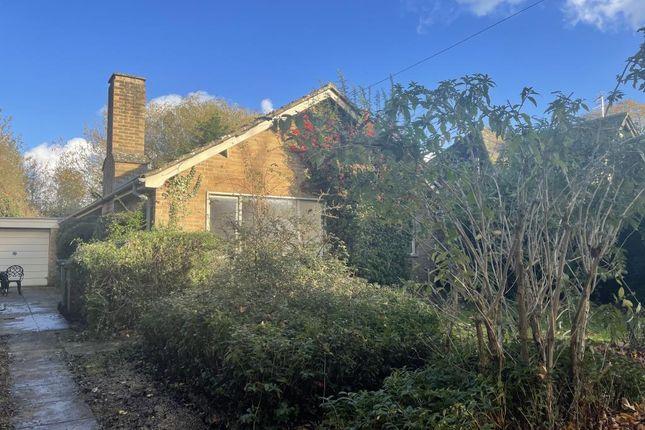 3 bed detached bungalow to rent in Woodstock Road East, Begbroke, Kidlington OX5