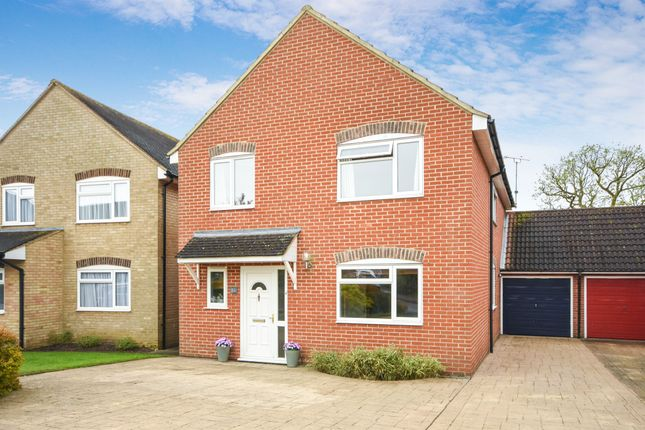 Thumbnail Detached house for sale in Pickwick Avenue, Chelmsford