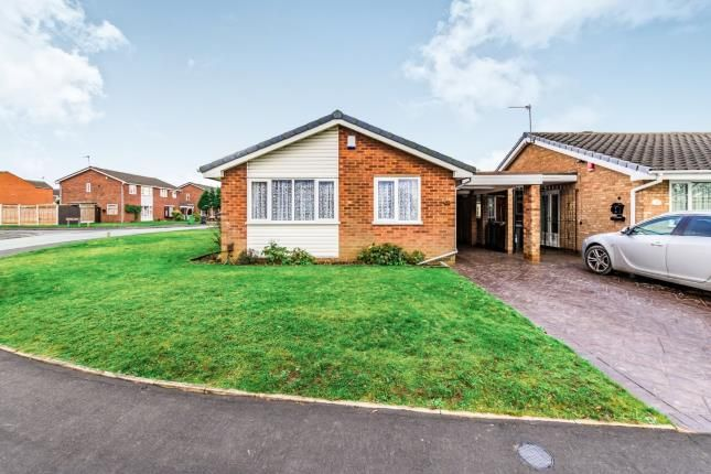Thumbnail Bungalow for sale in Furzebank Way, Willenhall, West Midlands
