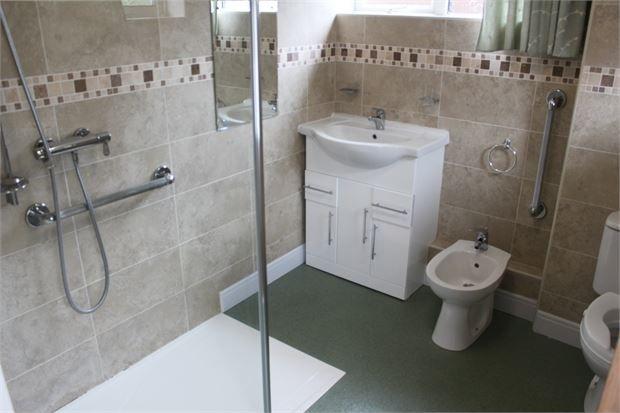 Bathroom of Buckley Road, Llwynypia, Tonypandy, Rhondda Cynon Taff. CF40