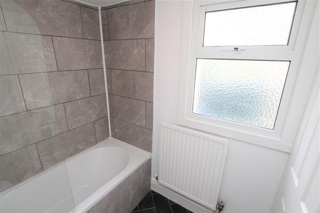 Bathroom 3 of Heol Y Waun, Seven Sisters, Neath SA10